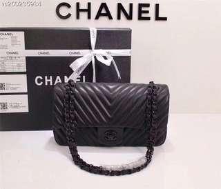 Chanel 買2送1