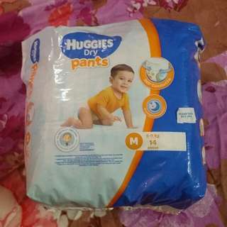 Huggies Dry Pants - M 14 pieces