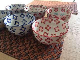 6 ceramic bowls