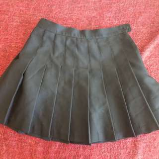 American Apparel Pleated Skirt