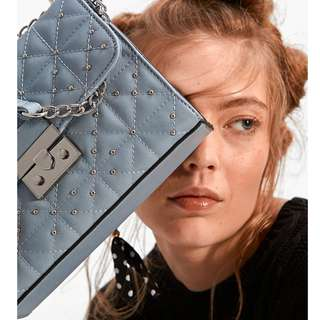 西班牙baby blue珠飾鍊包