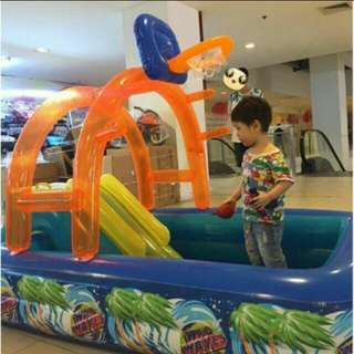 Splash inflatable pool with slide and basketball air pump included