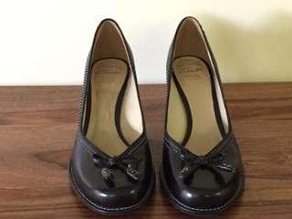 Clarks court shoes