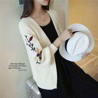 Knitted blazer fits S-L