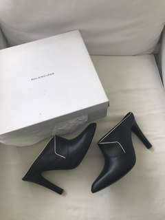 used once AUTHENTIC Balenciaga booties w/ box - 39.5 - fits 8.5-9