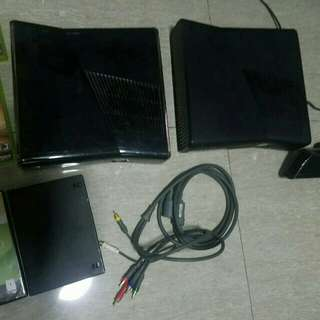 2 Consoles Xbox 360 for sale...