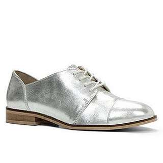 BNIB Size 37 Metallic Silver Leather Brogues