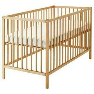 Sniglar ikea Crib cot *RESERVED*