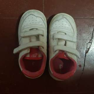 Nike Rubber Shoes toddlers kids size 8c baby not roshe run