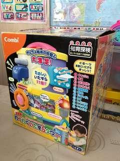 Combi toy