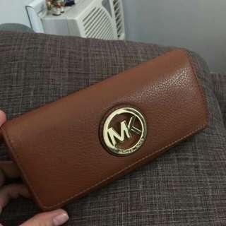 Auth Michael Kors Fulron Wallet Leather mk