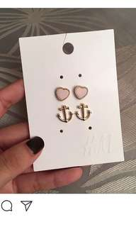 2 H&M earrings unused