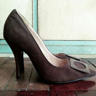 Parisian Pointed Heels (Worn only twice)