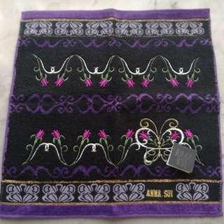 Anna Sui, Burberry, hello kitty 手巾