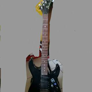 Electric guitar with amplifier with pedal