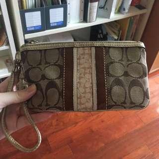 Coach皮夾(可手拿、可裝4.7寸的手機)