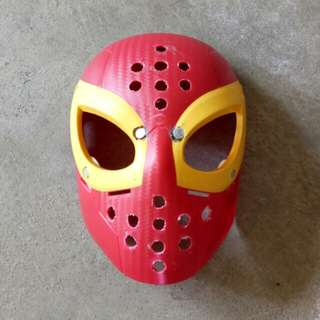 Spiderman face shell with magnets