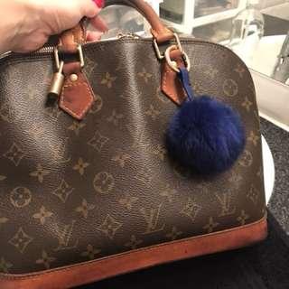 Louis Vuitton 100% Authentic.