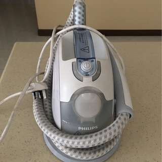 Phillips GC520 Garment Steamer with Stand and Glove