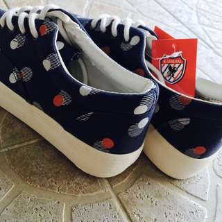 Blue canvas platform sneakers