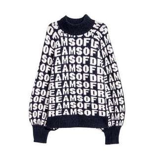 H&M ::: 時髦配色字母高領長袖針織毛衣