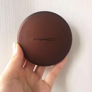Mac bronzing powder soft sand