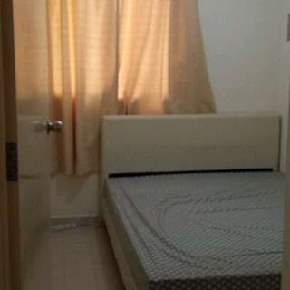 Master Bedroom for rent 3min. walk to MRT