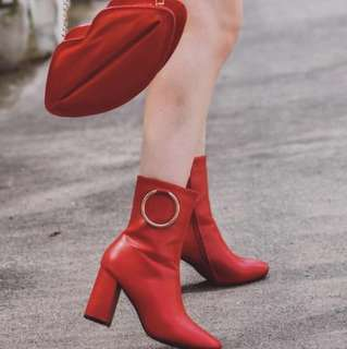 Red ring boots