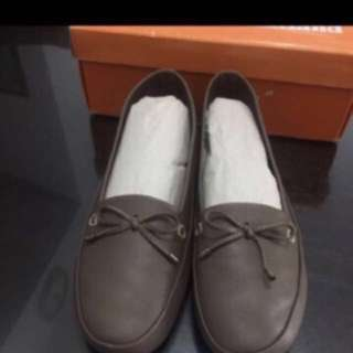 outland shoes ( size 9 )