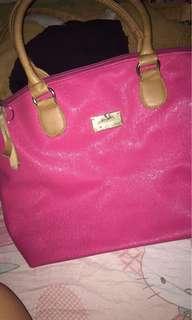 Pink hand and shoulder bag
