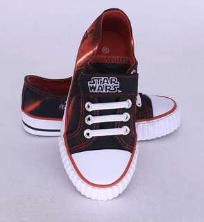 Boys shoe Star Wars Size 31(19.5)