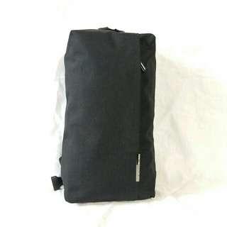 8907 OZUKO 優質尼龍胸口包Body Bag 單肩包