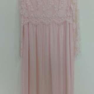 專櫃粉紅蕾絲長洋裝(9.9成新)