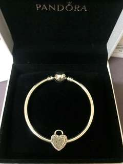 Pandora bangle with charm (authentic with full set packing)