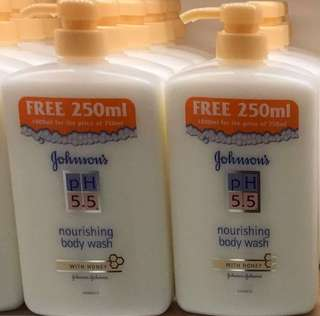Johnson' PH 5.5 Nourishing Body Wash 750ml (free 250ml)