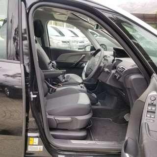 17年Citroen Grand C4 Picasso 7座雪鐵龍柴油私家車keyless go 0首行貨15xxx km電尾門特大玻璃天幕4毫一公里半年牌費越線警告防撞超大實用內籠內外如新見車必合上會特價