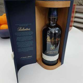 Ballantines Rare LIMITED Whiskey