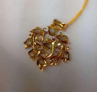 Old Nyonya Intan flora pendant