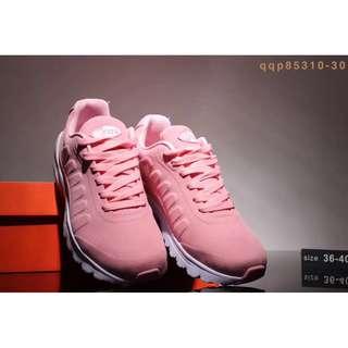 耐吉女鞋粉色氣墊跑鞋