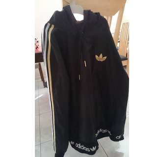 Adidas  WindbreakerJacket HOODIE Size Medium