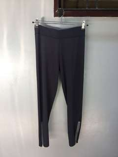 Thin Charcoal Gray Leggings with Zipper Details