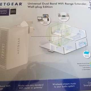 BNIB Netgear WN3500RP