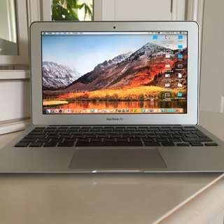 "MACBOOK AIR 11"" Late 2010, very good condition"