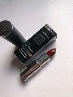 Givenchy le rouge intense colour sensuously Mat lip color in 326