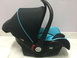 Baby Car Seat sweet heart paris