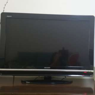 Sharp Aquos 32in LCD TV