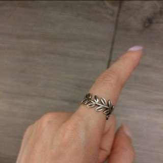 Pandora Laurel Wreath Ring