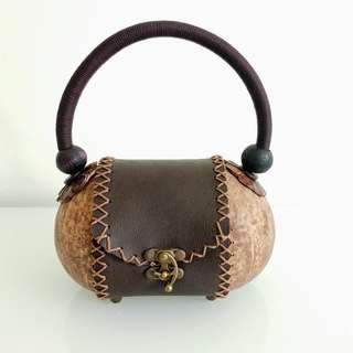 unique hand-craft coconut woman hand bag