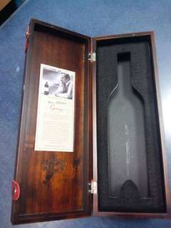 Box wine wooden