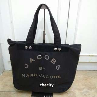 BRAND NEW , AUTHENTIC MARC JACOBS MEDIUM CANVAS TOTE BAG